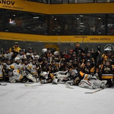 Prvý hokejový zápas našich druhákov