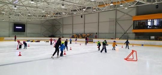 Kurz korčuľovania pre deti od 4 rokov a tiež dospelých štartuje už túto sobotu!