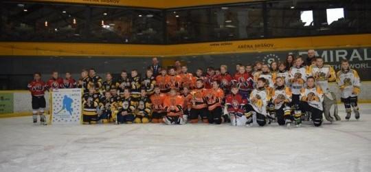 Hokejový turnaj štvrtákov v Aréne Sršňov o pohár primátora mesta Košice p. Jaroslava Polačeka sa vydaril